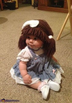 This is my daughter Ellie Mae wearing her cabbage patch doll costume! My husband came up with the idea of putting Ellie in some kind of doll outfit for Halloween and right away I thought of the cabbage patch. Diy Baby Costumes, Cute Baby Halloween Costumes, Fete Halloween, Halloween Costume Contest, Doll Costume, Halloween Kids, Costume Works, Costume Ideas, Halloween Ideas
