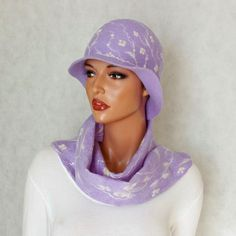 Lilac cloche and scarf Sweet Lilac set of felt scarf by ZiemskaArt
