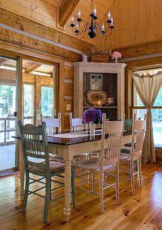 Farmhouse Dining:  Carolina Country Living