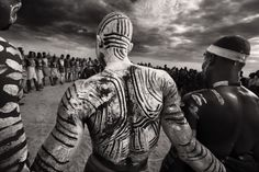Karo Tribesmen Dancing, Wearing White Chalk Body Paint, Omo Delta, Ethiopia by Steve Bloom Tribal Body Paint, Steve Bloom, British Journal Of Photography, Arte Tribal, Foto Art, African Art, African Beauty, African Tribes, Ethiopia