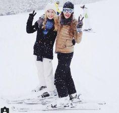 Tourists having fun in #Manali in snow.