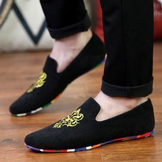 2015 New Fashion Mens Flats Velvet Slippers Men Loafers Mens Velvet Shoes Brand Men Dress Shoes Casual Flat Shoes Men Size 39-44