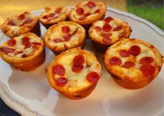 Is there any such thing as a bad twist on pizza? Maybe, but you'd have to work much harder to make one than you will making these easy, kid-friendly pizza muffins from Allrecipes. In just 30 minutes with only 5 ingredients, you'll have a cheesy,...