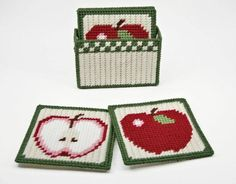 Country Apples Coasters Pattern in Plastic Canvas Plastic Canvas Coasters, Plastic Canvas Ornaments, Plastic Canvas Christmas, Plastic Canvas Crafts, Plastic Canvas Patterns, Tissue Box Covers, Tissue Boxes, Canvas Art Projects, Canvas Ideas