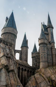 Does the idea of taking your family to Universal Studios Orlando sound too hard? There's flights, transport, a hotel, theme park tickets, research restaurants, plus other activities in the area. Don't get stressed, just use my ultimate guide for Universal Studios Orlando that is perfect for any mom… even if you're super duper lazy. It includes all the essential info you need to know to make smart decisions without wasting half a day of research. Your family will think you're a rock star. Take my Orlando Travel, Orlando Vacation, Florida Vacation, Florida Travel, Orlando Florida, Travel Usa, Disney Universal Studios, Universal Orlando, Harry Potter Castle