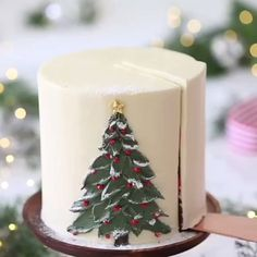 YES OR NO? Christmas tree tutorial cake Pre from Preppy Kitchen - Best cake recipes, desserts and Christmas Cake Designs, Christmas Tree Cake, Christmas Cake Decorations, Christmas Cupcakes, Christmas Sweets, Holiday Cakes, Christmas Desserts, Christmas Baking, Christmas Present Cake