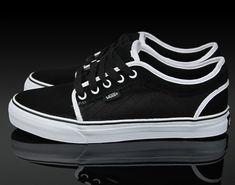 Vans Chukka Low - Black - White