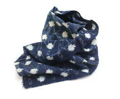 Japanese Kasuri Ikat Cotton. Vintage Woven Folk Fabric. Traditional Indigo Boro Textile (Ref: 1720)