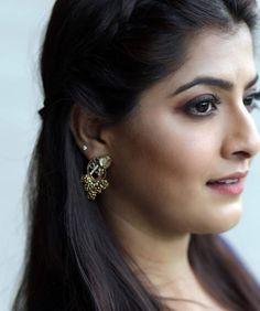 Favourite Kerala Aunty, Punjabi Dress, Most Beautiful Indian Actress, India Beauty, Indian Actresses, Beauty Women, Abigail Breslin, Woman Style, Girl Face