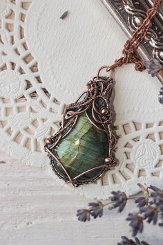 Wire wrapped pendant with labradorite - Copper pendant - Wire wrapped jewelry - Pendant - Necklace - Ideas for gift - Gift for women - OOAK
