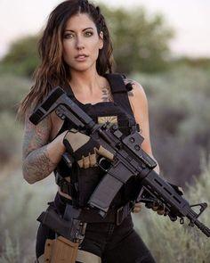 N Girls, Army Girls, Military Girl, Female Soldier, Gorgeous Women, Guns, Handsome, Photoshoot, Lady