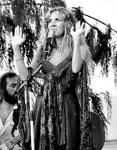 rock-on-gold-dust-woman:  All Hail Stevie Nicks