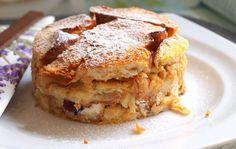 Vánočka se skvěle hodí místo rohlíků na přípravu žemlovky. Žemlovka z vánočky je bombastická. Autor: Naďa I. (Rebeka) Sugar Love, Challah, Apple Pie, Lasagna, Ethnic Recipes, Kuchen, Apple Pie Cake, Lasagne, Apple Pies