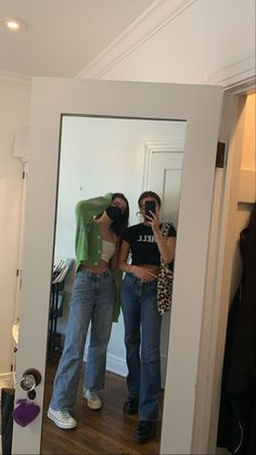 Tumblr Outfits, Indie Outfits, Grunge Outfits, Fashion Outfits, 90s Grunge, Fashion Shirts, Vintage Outfits, Retro Outfits, Cute Casual Outfits