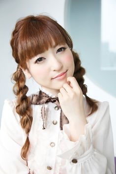 Sayaka Kanda (entertainer-Japan) 神田沙也加(タレント)