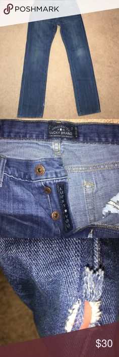 Lucky brand men's jeans Men's Lucky brand jeans! These jeans are a light wash color, and feature button fly. They're NWOT, as they are too small. We bought them with a small hole in the bottom left inner ankle without realizing. The waist size is 33 inches and 32 length. They are very comfortable to lounge in or work in. Comes from a smoke and pet free home. Please consider!❤ Lucky Brand Jeans Skinny