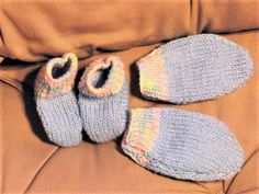 Babys Mittens and Bootees Set Hand Knitted by Creationsfortinytots