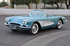 1959 Chevrolet Corvette Roadster Plus Retro Cars, Vintage Cars, Antique Cars, Classic Sports Cars, Best Classic Cars, Classic Corvette, 1961 Corvette, Chevrolet Corvette Stingray, Muscle Cars