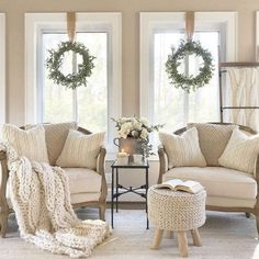 Are you looking for cozy book nook ideas? We have reading corner designs that you'll love. We'll share how to create a reading nook in a small space. Living Room Nook, Living Room Decor, Small Living Room Chairs, Chairs For Small Spaces, Dining Rooms, Up House, Cozy House, Cozy Reading Corners, Reading Nooks