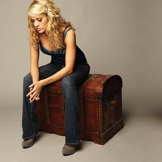 Carrie Underwood Official Photo