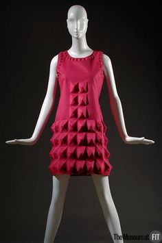 Dress Pierre Cardin, 1968 The Museum at FIT - Gift of Lauren Bacall 1960s Fashion, Moda Fashion, High Fashion, Vintage Fashion, Avangard Fashion, Pierre Cardin, Jeanne Paquin, Lauren Bacall, Louise Bourgeois
