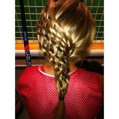 her hair braided like this reminds me of an apple pie.. haha.... Now I just need to learn how to do this!