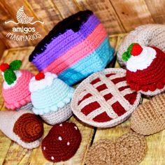 Our imaginary bakery, has been kneading a special order this weekend! Here you have some samples right from the oven! <3 :3 ------------------------------------------------------------------------------------ La pastelería imaginaría, durante este fin de semana estuvo amasando un pedido especial! Te dejamos unas muestras recién salidas del horno! <3 :3 #muffins #cake #bakery #Amigurumi #crochet #crochetlove #instacrochet #handmade #hechoamano #design #Designbyluna #Mendoza #Argentina