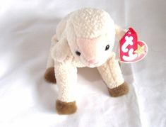 Ty Beanie Babies: Washing and Cleaning: Ty Beanie Babies have special washing instructions for them. Unlike other stuffed toys which are often safe to clean in the washing machine. Valuable Beanie Babies, Beanie Babies Value, Rare Beanie Babies, Beanie Baby Bears, Original Beanie Babies, Ty Beanie Boos, Beanie Buddies, Clean Stuffed Animals, Ty Animals