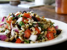 The Rockin' Vegan: Barley Salad with Kalamata Olives and Tomatoes
