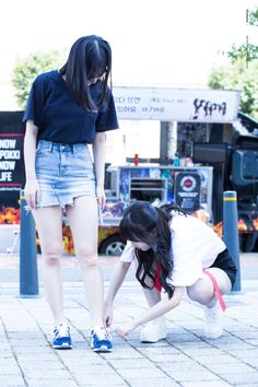 South Korean Girls, Korean Girl Groups, Jung Eun Bi, G Friend, Nice Legs, Kpop Girls, Girl Power, My Girl, White Jeans