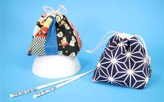 Japanese Kinchaku bags sewn from Japanese fabrics with free cut . Sewing Tutorials, Sewing Crafts, Sewing Projects, Drawstring Bag Tutorials, Zipper Pouch Tutorial, Japanese Fabric, Fabric Scraps, Clutch Bag, Bucket Bag