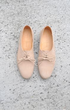 simple nude oxfords