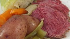 Chef John's Corned Beef and Cabbage Recipe - Corned beef, cabbage, carrots, and red potatoes are simmered for hours for a comforting one-pot meal. Slow Cooker Corned Beef, Corned Beef Recipes, Corned Beef Brisket, Corned Beef Boiled, Corn Beef And Cabbage, Cabbage Recipes, Broccoli Recipes, Corned Beef And Cabbage Recipe With Beer, Cabbage Rolls