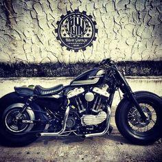 Harley Davidson News – Harley Davidson Bike Pics Hd Sportster, Harley Davidson Sportster, Custom Bobber, Custom Bikes, Bike Photo, Cool Bike Accessories, Motorcycle Style, Motorcycle Garage, Cool Motorcycles