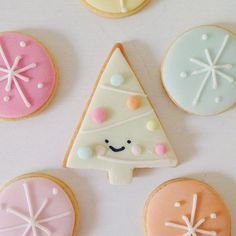 Christmas cookies by Hello Naomi Cakes.