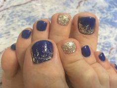 Pedicure Colors, Pedicure Designs, Pedicure Nail Art, Diy Nail Designs, Toe Nail Art, Nail Colors, Pretty Toe Nails, Cute Toe Nails, My Nails