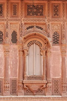 jharonka - window in jodhpur fort Landscape Architecture Drawing, India Architecture, Ancient Greek Architecture, Architecture Details, Gothic Architecture, Haunting Stories, Indian Temple, Indian Homes, Historical Monuments