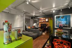 planta Small Apartment Design, Small Apartments, Lofts, Studio Loft, Colorful Decor, Living Room Decor, Sweet Home, House Design, Interior Design