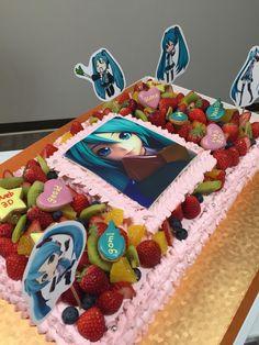 初音ミク 大型ケーキ Big Cakes, Desserts, Food, Tailgate Desserts, Meal, Tall Cakes, Dessert, Eten, Meals