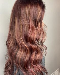 15 Mahogany Hair Color Shades You Have to See Dark Auburn Hair Color, Mahogany Hair, Barrel Curling Iron, Barrel Curls, Big Curls, Hair Color Shades, Coarse Hair, Copper Hair, Latest Hairstyles