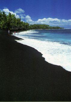 The black sand beach Maui.... I've never seen a beach with such black sand!