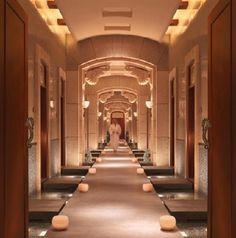 Atlantis hotel, Dubai - Water flowing in the corridor! Dubai Hotel, Hotel Spa, Day Spa Decor, Spa Luxe, Hotel Corridor, Spa Interior, Bathroom Interior, Interior Design, Best Spa