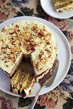 Die Benders van Clocolan se ma, Barbara, se piesangkoek met kondensmelkversiersel is onweerstaanbaar. Delicious Cake Recipes, Raw Food Recipes, Yummy Cakes, My Recipes, Sweet Recipes, Baking Recipes, Dessert Recipes, Favorite Recipes, Recipies