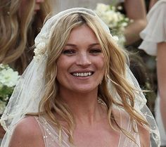 Kate Moss keeps it natural
