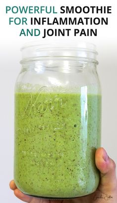 A Powerful and delicious green smoothie recipe for inflammation and joint pain. It's packed with anti-inflammatory ingredients and nutrients to help your joints heal and recover fast. Green Smoothie Recipes, Fruit Smoothies, Healthy Smoothies, Juice Smoothie, Juicing Recipes For Energy, Vegetable Smoothie Recipes, Making Smoothies, Turmeric Smoothie, Juicer Recipes