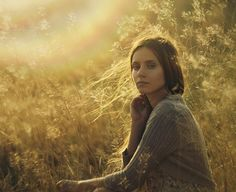 In the golden mist (Laeta: Photography) David Dubnitskiy, Sexy Long Dress, Poses, Tantra, Female Portrait, Country Girls, Natural Light, Portrait Photography, Mona Lisa