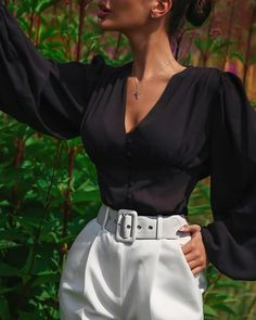 Shop V Neck Lantern Sleeve Casual Blouses right now, get great deals at makeyouchic Girl Fashion, Fashion Outfits, Womens Fashion, Fashion Trends, Classy Outfits, Cool Outfits, Mode Simple, Pantalon Large, College Outfits