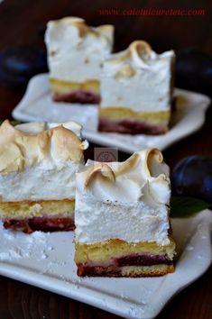 Prajitura cu prune si bezea - CAIETUL CU RETETE Romanian Desserts, Romanian Food, Romanian Recipes, Peach Yogurt Cake, Cake Recipes, Dessert Recipes, Good Food, Yummy Food, Food Cakes