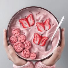 Most up-to-date Absolutely Free Concepts Strawberry and Blood Banana Smoothie Recipes Many common smoothie recipes have something in keeping Cute Food, Yummy Food, Nectar Recipe, Smoothie Bol, Kreative Desserts, Good Morning Breakfast, Strawberry Smoothie, Strawberry Banana, Cute Desserts
