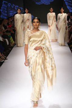 Swati and Sunaina at Lakmé Fashion Week Winter/Festive 2015 | Vogue India | Cat:- Fashion Shows | Author : - Vogue.in | Type:- Article | Publish Date:- 08-28-2015